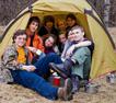 Сбор всей группы туристов в одной палатке